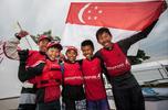 Singapur drużynowym Mistrzem Świata Optimist 2015!